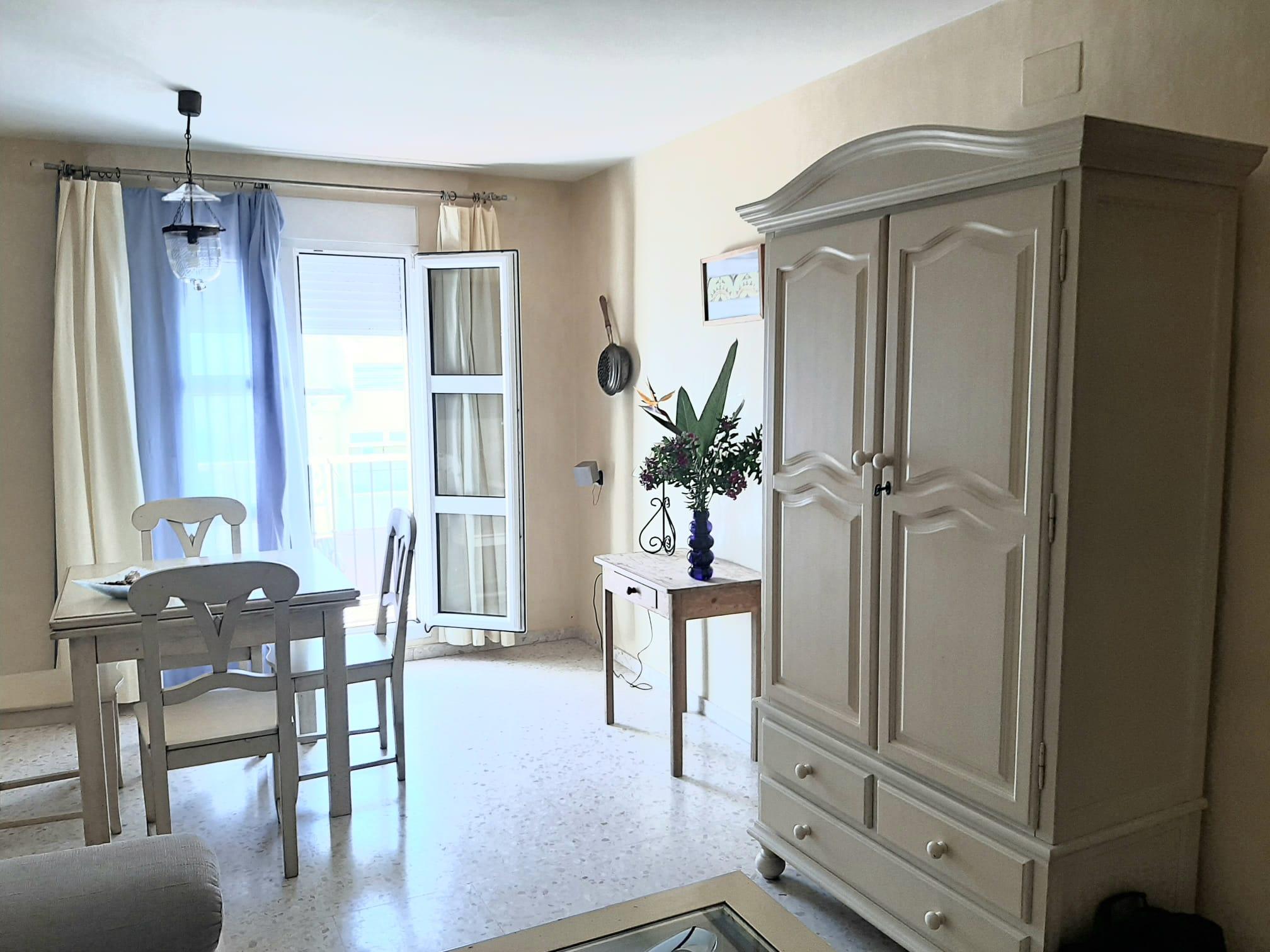 Piso en primera planta con tres dormitorios en calle San Diego de Alcalá Conil