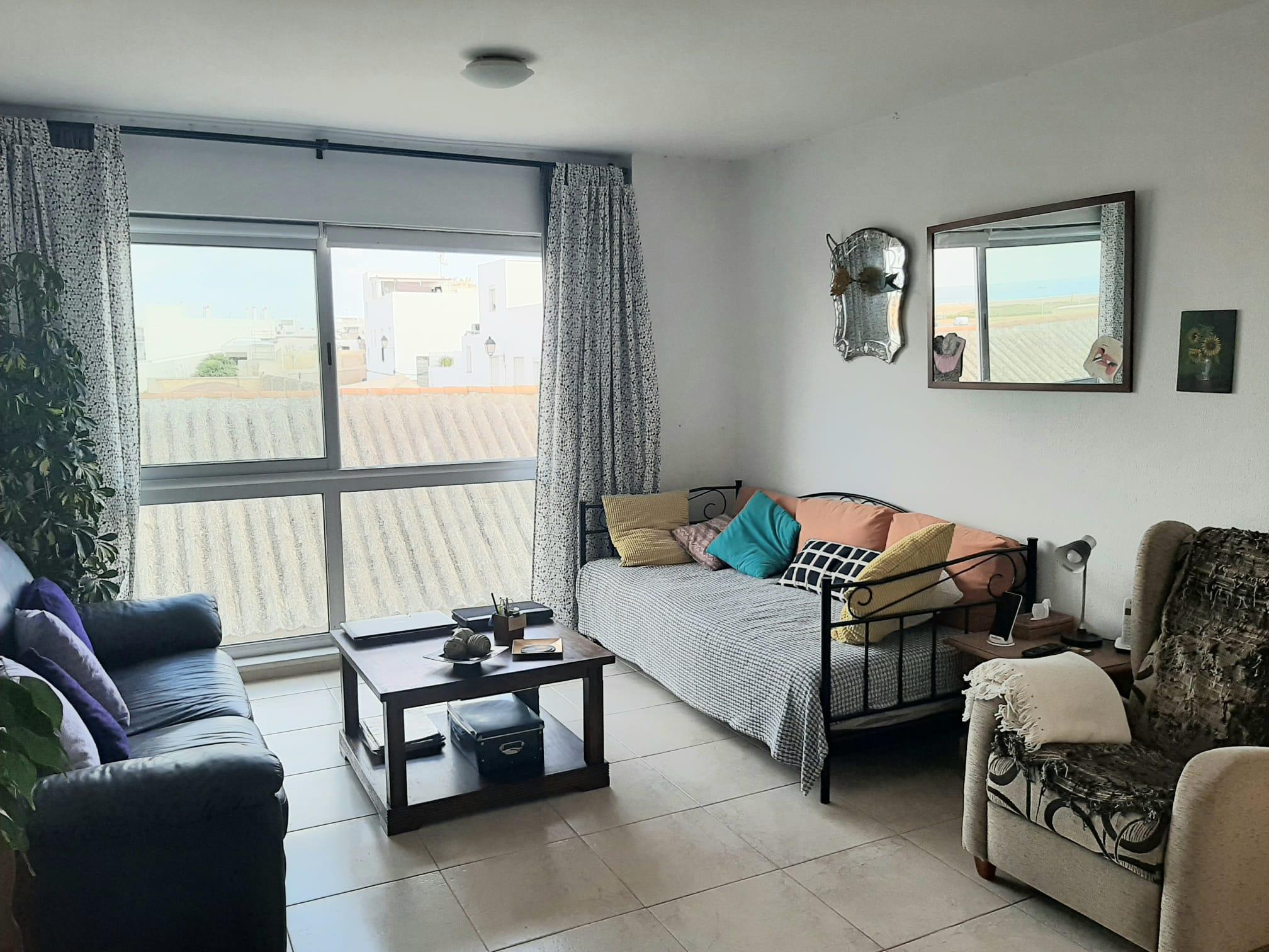 Piso de dos dormitorios en calle almadraba Conil con ascensor